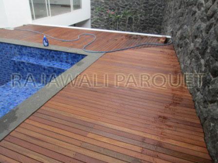 harga lantai kayu decking bengkirai pemasangan