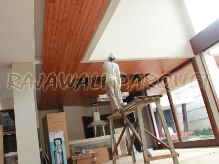 pemasangan palfon kayu lambersering