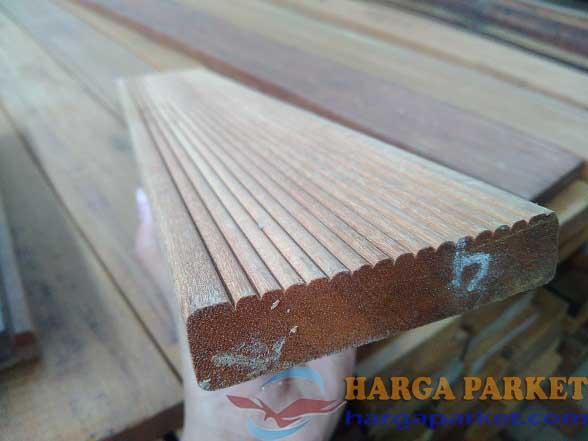 harga lantai kayu outdoor bengkirai