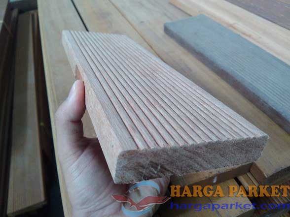 harga lantai kayu outdoor keruing
