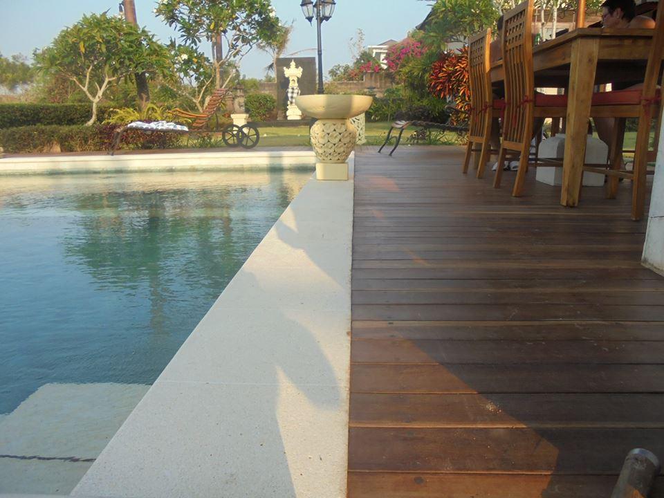 harga lantai kayu outdoor decking Ulin