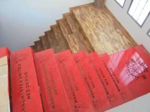 lantai kayu pada rumah