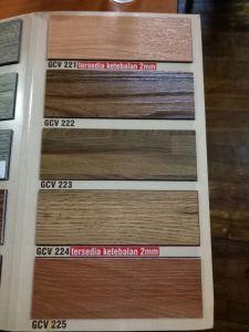 lantai vinyl bermotif kayu Merba