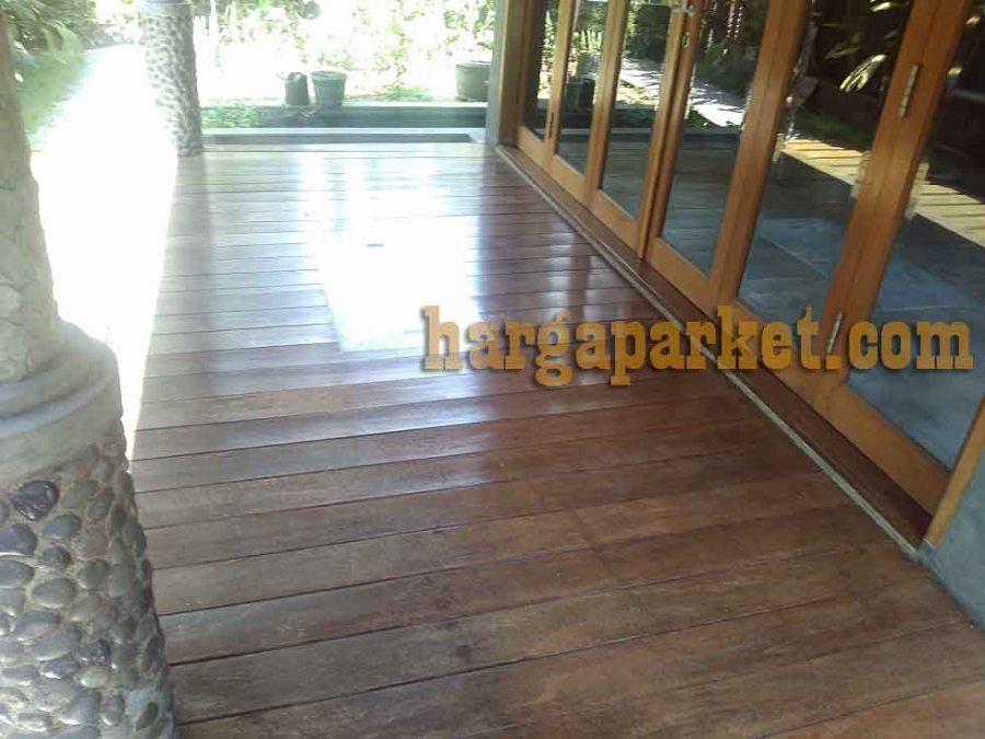 Pemasangan lantai kayu di cimahi