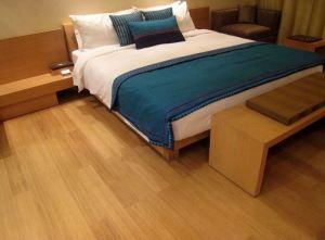 Aplikasi lantai kayu laminated