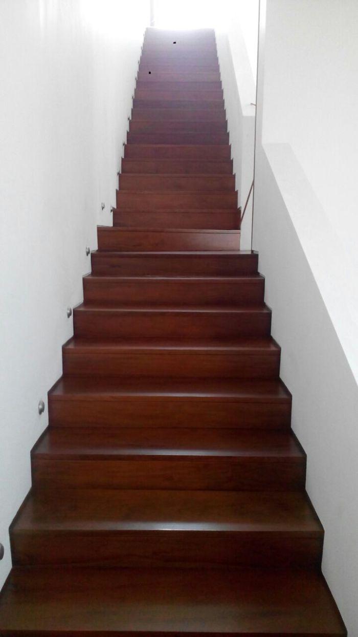 contoh pemasangan papan tangga kayucontoh pemasangan papan tangga kayu